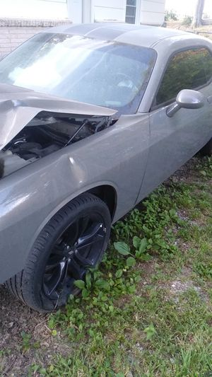 Dodge Challenger SXT Rims and Tires for Sale in Nashville, TN