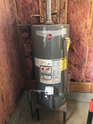 Rheem Performance 40 Gal. S 34,000 BTU Natural Gas Tank Water Heater for Sale in Nashville, TN