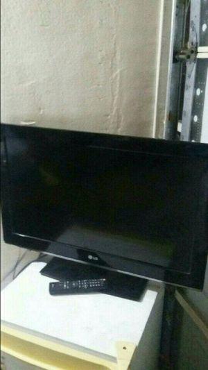 TV LG 37 inch for Sale in Santa Ana, CA