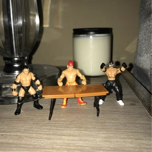 """WWE Mini Figures 2"""" for Sale in Mesquite, TX"""