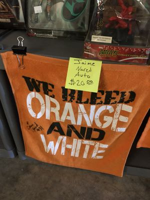 Jaime Nared Autographed towel for Sale in Knoxville, TN