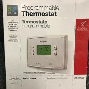 Honeywell Programable Thermostat RTH2300B New / Smart Thermostats for Sale in Philadelphia, PA