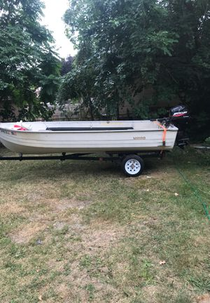 14 foot fishing boat for Sale in Dearborn Heights, MI