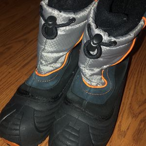 2y Snow Boots -totes Kids for Sale in Saint Johns, FL