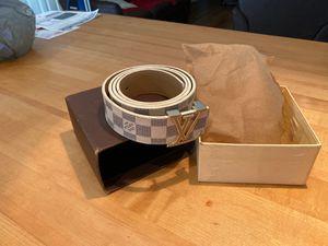 Bootleg Louis Vuitton belt. for Sale in Clearwater, FL