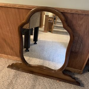 Antique Vanity Mirror for Sale in Indian Creek, IL