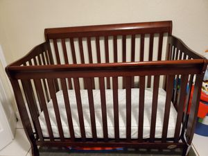 Crib and changing table for Sale in Wahneta, FL