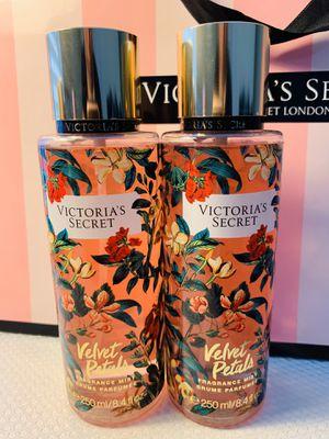 New Victoria's Secret Velvet Petals Fragrance Mist 2 Pieces 250/8.4fl.oz for Sale in Kissimmee, FL