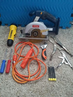 large and small vice grips, 4 minature screw drivers, 2 regular size screwdrivers, adjustable wrench, flashlight with new batteries, for Sale in Deerfield Beach, FL