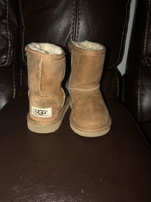 UGG Classic Boots (toddler size 8) for Sale in Chesapeake, VA