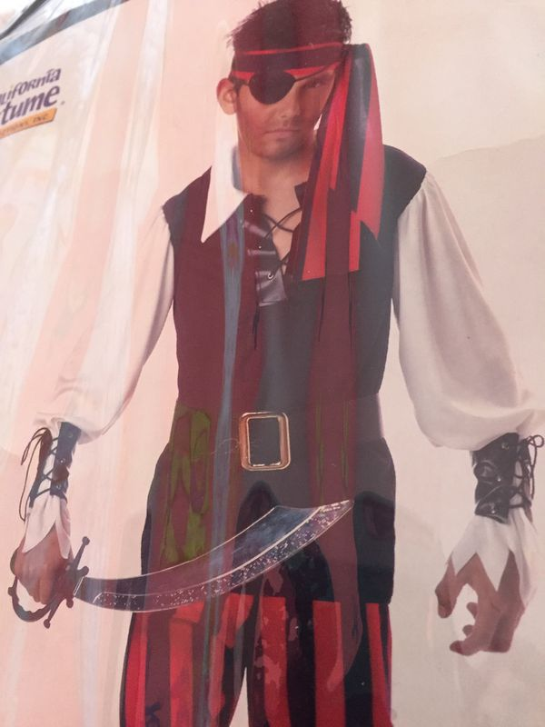 Boy pirate costume Size M (8-10)
