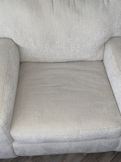 White Sofa Chair / Couch for Sale in Dallas,  TX