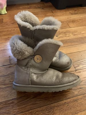 Ugg short bailey button silver boots size 8 women for Sale for sale  Elizabeth, NJ