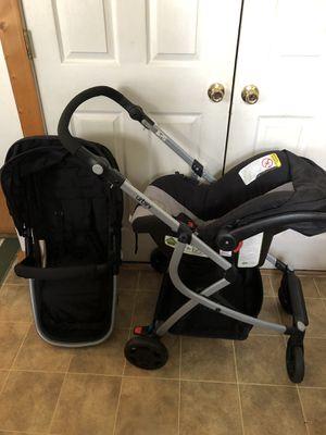Urbini Baby Car Seat Set for Sale in Chesapeake, VA