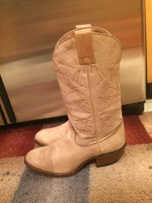 Men's Cowboy boots size 9 D, excellent condition for Sale in Tacoma, WA