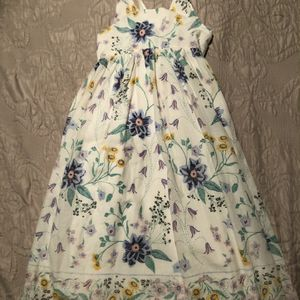 Beautiful White Dress With Flowers! Size: 4T or 4A for Sale in Perris, CA