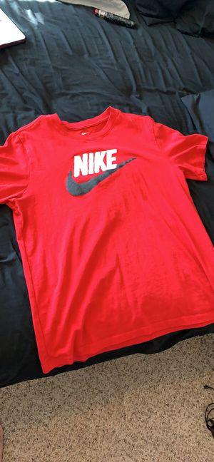 Men's size large Nike shirt for Sale in Wenatchee, WA