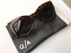"Quay ""Nala"" Sunglasses for Sale in Austin, TX"