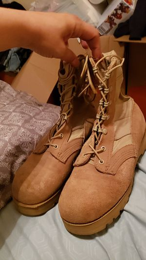 Brand new military boots Size 7 1/2 W for Sale in Riverside, CA