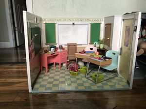 American girl doll school house(our generation) for Sale in Largo, FL