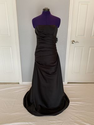 A classic style black dress for Sale in Fairview, OR