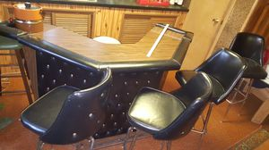Bar and Stools for Sale in East Saint Louis, IL