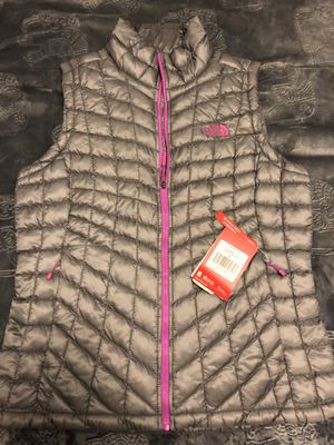 North Face Thermoball vest women's 149.00$ for Sale in Bend, OR