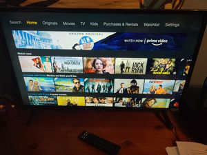 Vizio 32 inch smart tv with remote and power cable for Sale in St. Petersburg, FL
