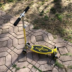 Yellow Fuzion Scooter for Sale in Ocala,  FL