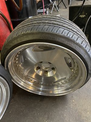 18inch rims with 3 good tires can take the bad tire off for you for Sale in Brooklyn, NY