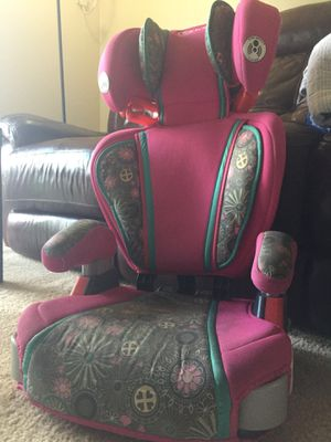 Grace girls car booster seat with head & back support for Sale in Meridian charter Township, MI