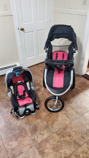 coche y car seat for Sale in Central Falls, RI