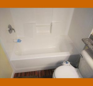 Tub Reglazin for Sale in Westchester, CA