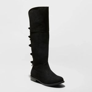 Black girl boots size 1 for Sale in Bloomington, CA