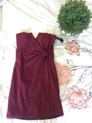 Burgundy dress for Sale in Moreno Valley, CA