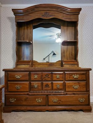 Bedroom furniture for Sale in Lugoff, SC