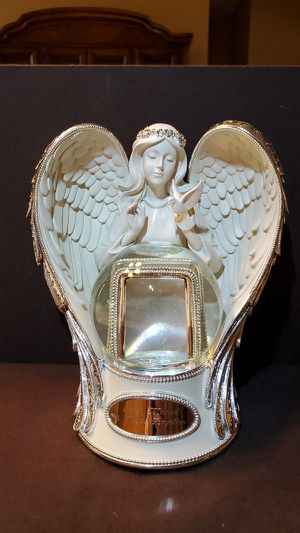 Memorial Statue - Photo Frame for Sale in Coral Springs, FL