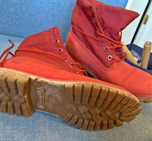 Timberland Red lace around-MEN SIZE 8 for Sale in Chicago, IL