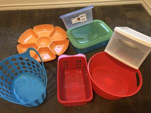 Plastic storage containers for Sale in San Antonio, TX