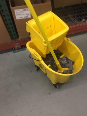 Contratando personas para trabajar de limpieza for Sale in Mountain View, CA