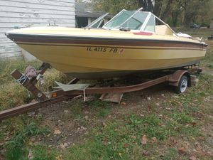 Boat 140 HP mecrecury motor, almost brand new ttrailor for Sale in Collinsville, IL