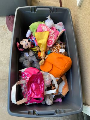 Bin full of miscellaneous stuffed animals and toys. FREE! for Sale in Long Beach, CA