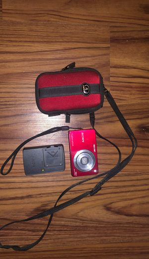 """Sony Cyber-shot DSC-W330 14.1MP Digital Camera - Red 4x Zoom Zeiss Lens 3.0"""" LCD for Sale in Baltimore, MD"""