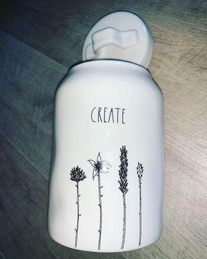 "Rae Dunn beautiful stemline ""CREATE"" canister. for Sale in Chula Vista, CA"