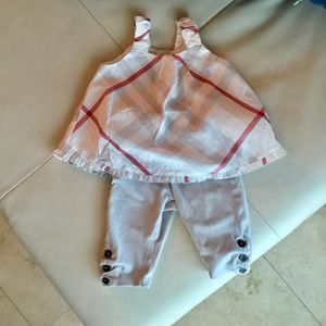 Dress + Leggings Burberry 0 / 3 months for Sale in Miami, FL
