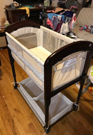 baby bassinet co sleeper for Sale in New York, NY