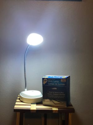 Battery desk lamp **LED** for Sale in New Britain, CT