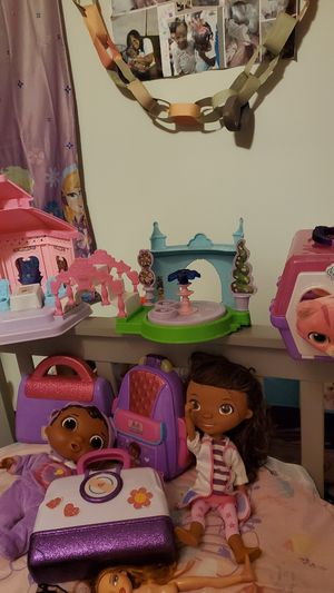 Girl toys PLEASE READ for Sale in Philadelphia, PA