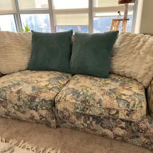 Vintage Couch for Sale in Rockville, MD