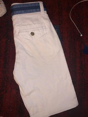 Boys size 10 brand new Tommy cargo shorts for Sale in Maplewood, MN